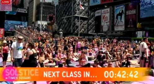 solstice-yoga-times-square-2013-cam