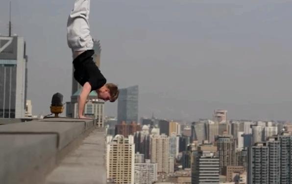 handstand-building-stunt