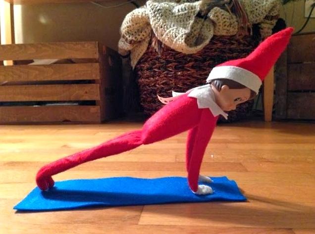elf-on-the-shelf-yoga-plank