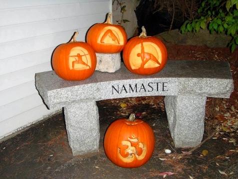 halloween-light-on-yoga-pumpkins