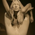 kate_moss_yoga_statue_dwi_pada_sirsasana