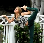 Carmen Electra yoga dancer pose