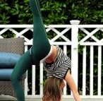 Carmen Electra yoga dhanurasana