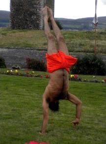 baba-ramdev-handstand