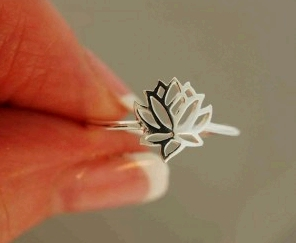 sterling-silver-lotus-ring